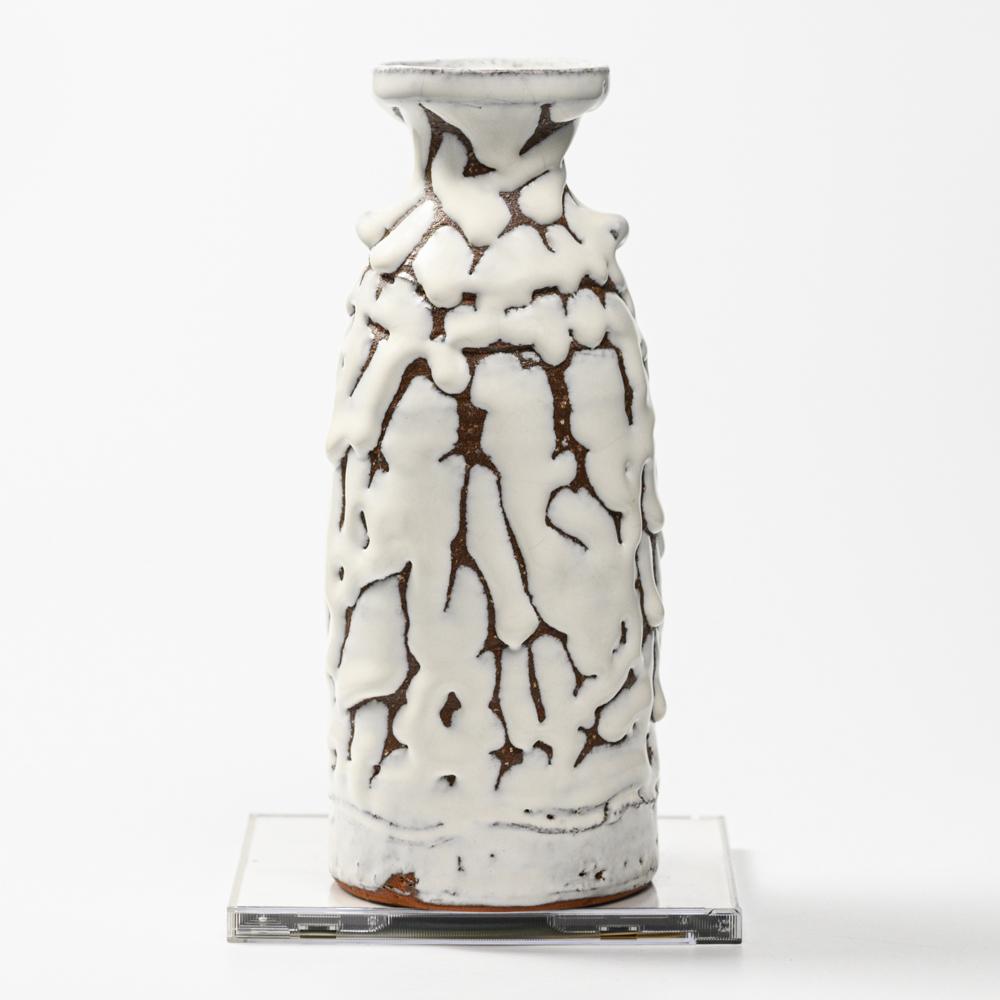 萩焼(伝統的工芸品)花入鬼白松徳利形耳付