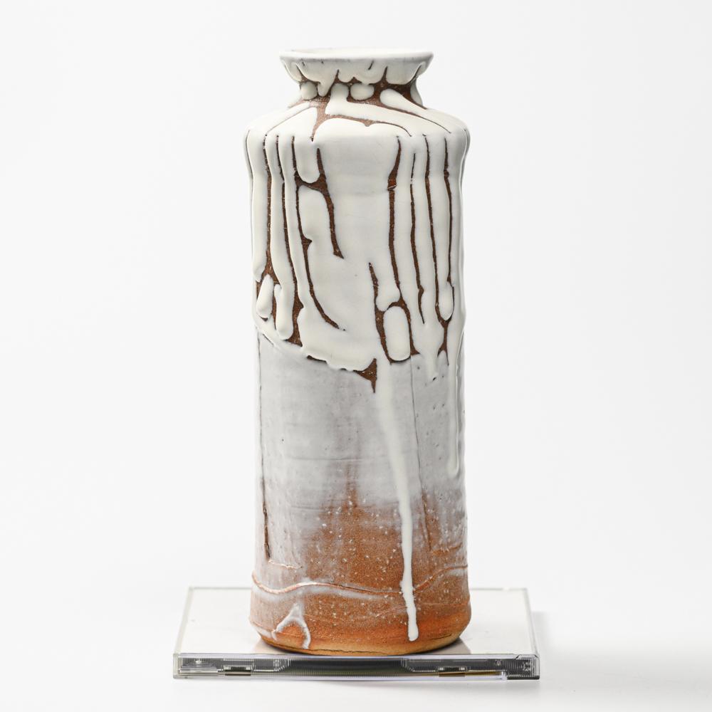 萩焼(伝統的工芸品)花入鬼白松肩衝ヘラメ