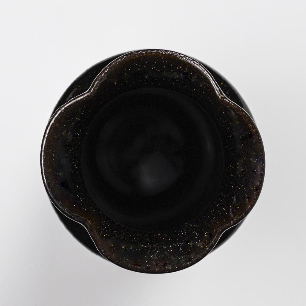 萩焼(伝統的工芸品)花入細手銀黒星釉肩衝輪花
