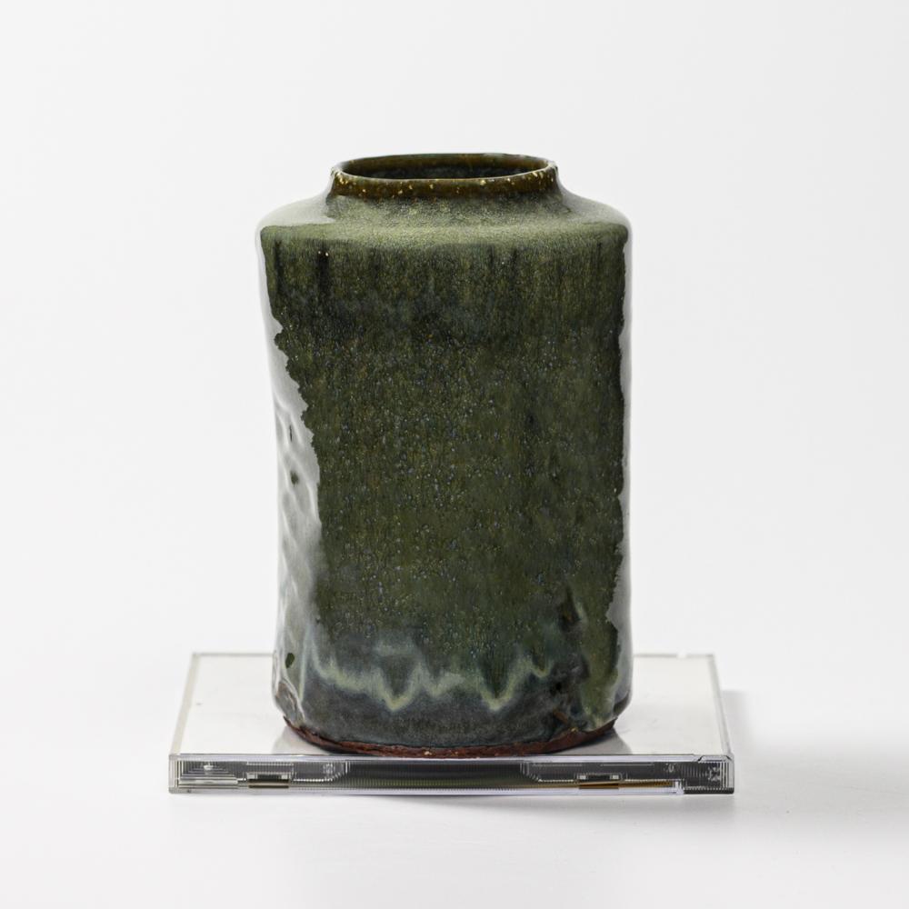 萩焼(伝統的工芸品)花入小鉄青釉肩衝三方叩き