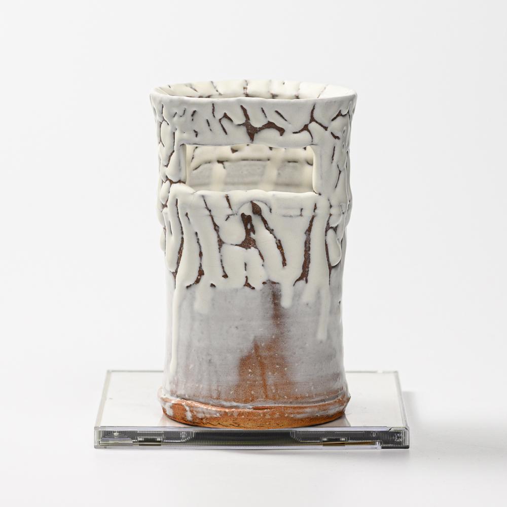 萩焼(伝統的工芸品)花入小鬼白松竹形
